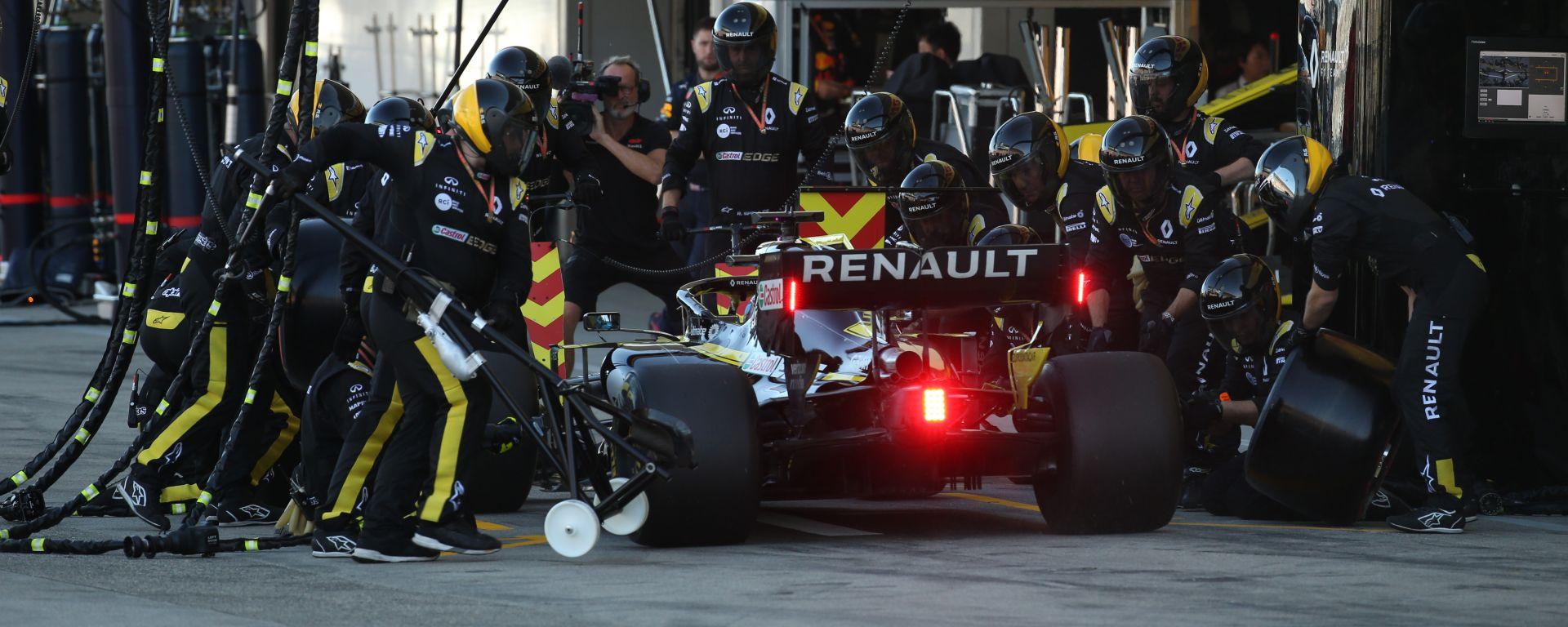 F1, GP Giappone 2019: pit-stop della Renault