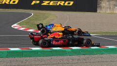 F1 GP Giappone 2019, Suzuka: il contatto tra Lando Norris (McLaren) e Alex Albon (Red Bull)