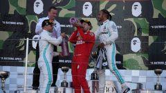 F1, GP Giappone 2019: Valtteri Bottas (Mercedes), Sebastian Vettel (Ferrari) e Lewis Hamilton (Mercedes) sul podio di Suzuka