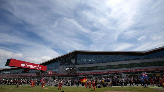 F1 GP Gran Bretagna 2019, Silverstone: l'avveniristica palazzina dei box