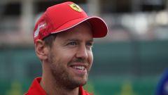 F1 GP Gran Bretagna 2019, Vettel sorridente nel paddock