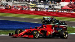 F1 GP Gran Bretagna 2021, Silverstone: Charles Leclerc (Ferrari) vs Lewis Hamilton (Mercedes)
