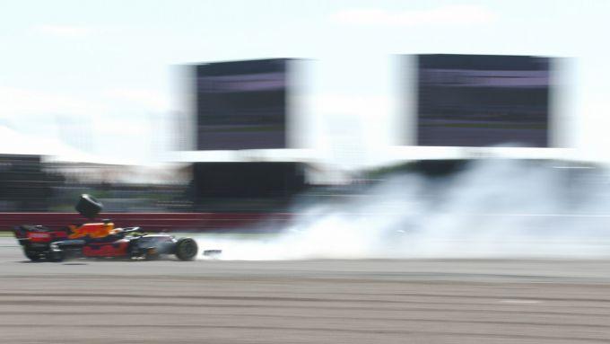 F1 GP Gran Bretagna 2021, Silverstone: Max Verstappen (Red Bull Racing) vola verso le barriere