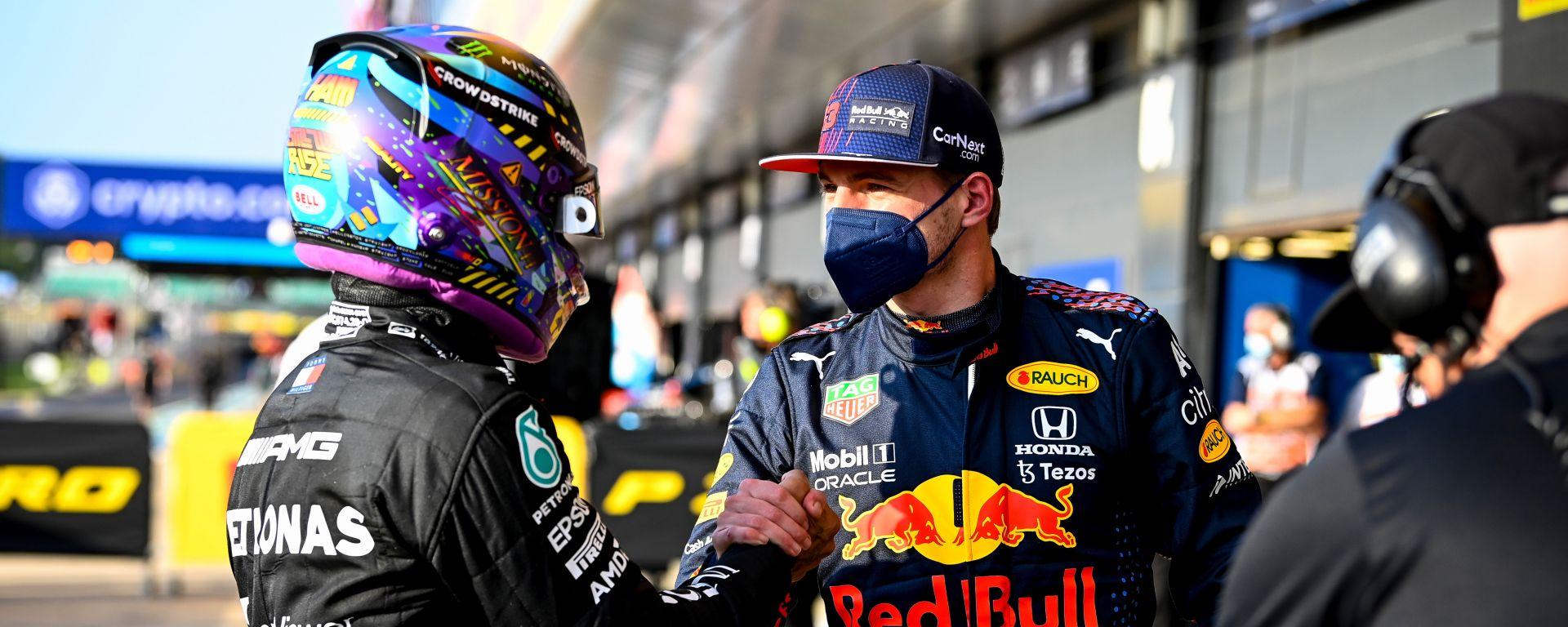 F1 GP Gran Bretagna 2021, Silverstone: Max Vertsappen (Red Bull) e Lewis Hamilton (Mercedes)