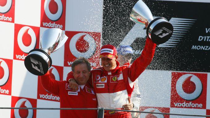 F1, GP Italia 2006: Jean Todt e Michael Schumacher festeggiano la vittoria Ferrari a Monza