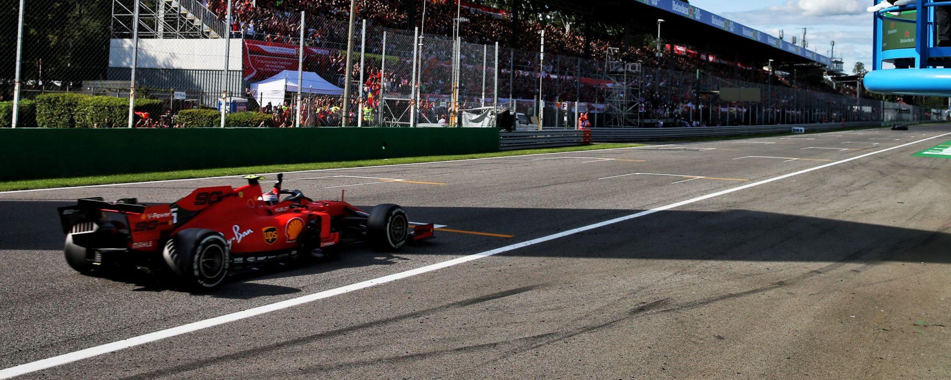 F1, GP Italia 2019: Charles Leclerc (Ferrari) taglia il traguardo da vincitore