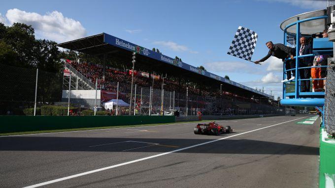 F1, GP Italia 2019: Charles Leclerc (Ferrari) transita sotto alla bandiera a scacchi