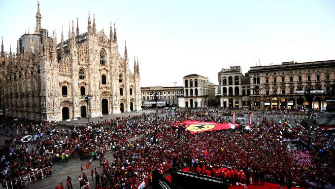 F1 GP Italia 2019: la festa dei 90 anni della Scuderia Ferrari in Piazza Duomo a Milano
