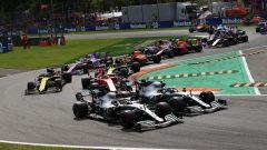 F1 GP Italia 2019, Monza: Lewis Hamilton e Valtteri Bottas (Mercedes) appaiati dopo la partenza