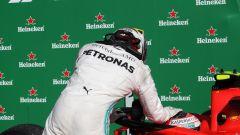 F1 GP Italia 2019, Monza: Lewis Hamilton (Mercedes) si complimenta con Charles Leclerc (Ferrari)
