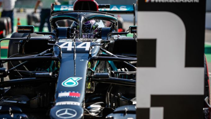 F1, GP Italia 2020: Lewis Hamilton conquista la pole position a Monza