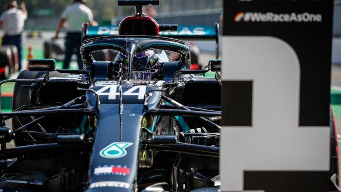 F1 GP Italia 2020, Monza: Lewis Hamilton (Mercedes Amg F1) festeggia la pole position