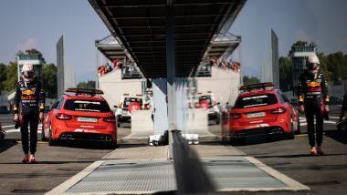 F1 GP Italia 2021, Monza: Max Verstappen (Red Bull Racing) torna ai box dopo l'incidente