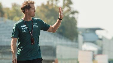 F1 GP Italia 2021, Monza: Sebastian Vettel (Aston Martin Racing) nella track walk di giovedì pomeriggio