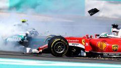 F1 GP Malesia, il contatto tra Vettel e Rosberg nel 2016