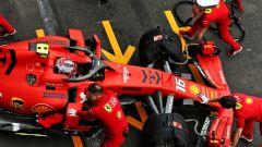F1 GP Messico 2019, Città del Messico: Charles Leclerc spinto ai box dai meccanici Ferrari