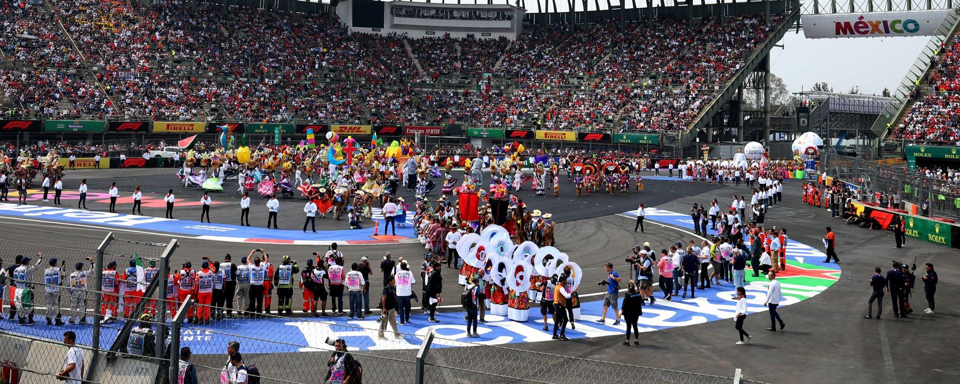 F1 GP Messico 2019, Città del Messico: la folkloristica parata prima del via della gara
