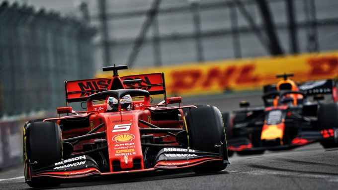 F1 GP Messico 2019, Città del Messico: Sebastian Vettel (Ferrari) e Max Verstappen (Red Bull)