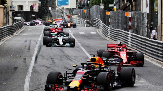 F1 GP Monaco 2018, Monte Carlo: Daniel Ricciardo (Red Bull) davanti a Sebastian Vettel (Ferrari)