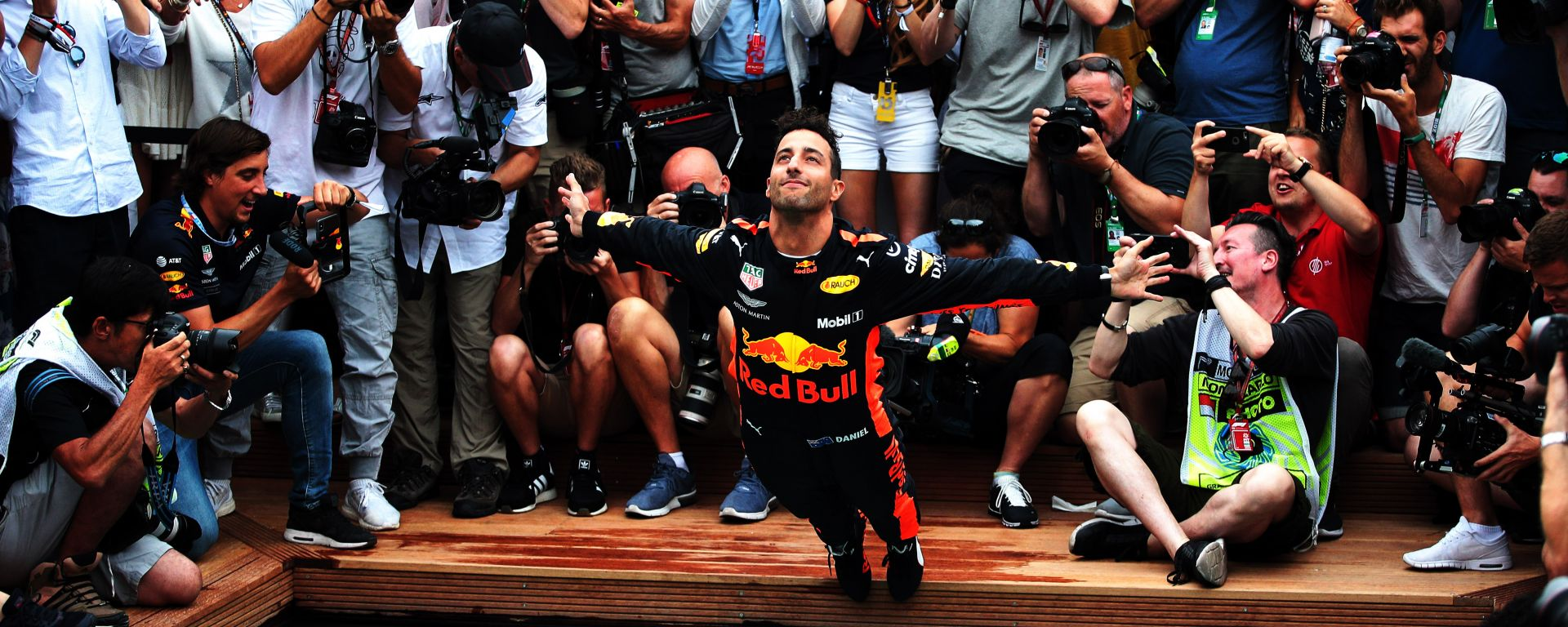 F1 GP Monaco 2018, Monte Carlo: i festeggiamenti di Daniel Ricciardo (Red Bull) al termine della gara