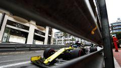 F1 GP Monaco 2019, Monte Carlo: Daniel Ricciardo (Renault) sfreccia tra i muretti del Principato