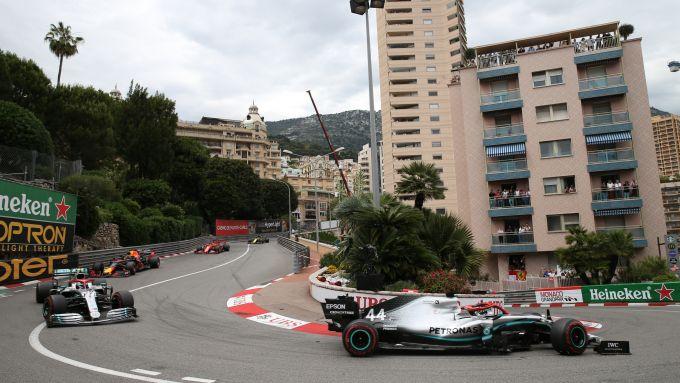 F1 GP Monaco 2019, Monte Carlo: i primi giri di gara con Hamilton e Bottas (Mercedes) davanti a tutti