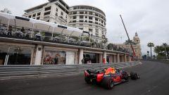 F1 GP Monaco 2019, Pierre Gasly impegnato nella celebre curva di Massenet