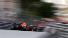 F1 GP Monaco 2019, Pierre Gasly sfreccia tra i muretti di Monte Carlo