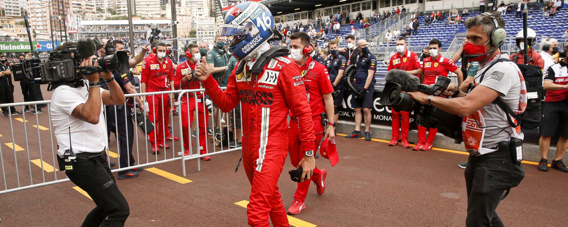 F1 GP Monaco 2021, Monte Carlo: Charles Leclerc (Scuderia Ferrari) esulta dopo la pole position