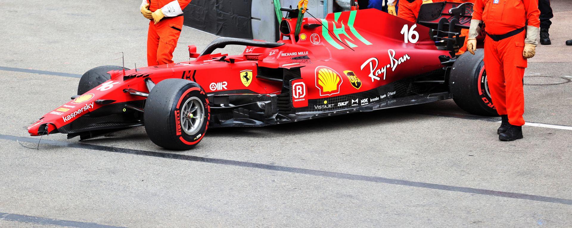 F1 GP Monaco 2021, Monte Carlo: la Ferrari SF21 di Charles Leclerc dopo l'incidente in Q3