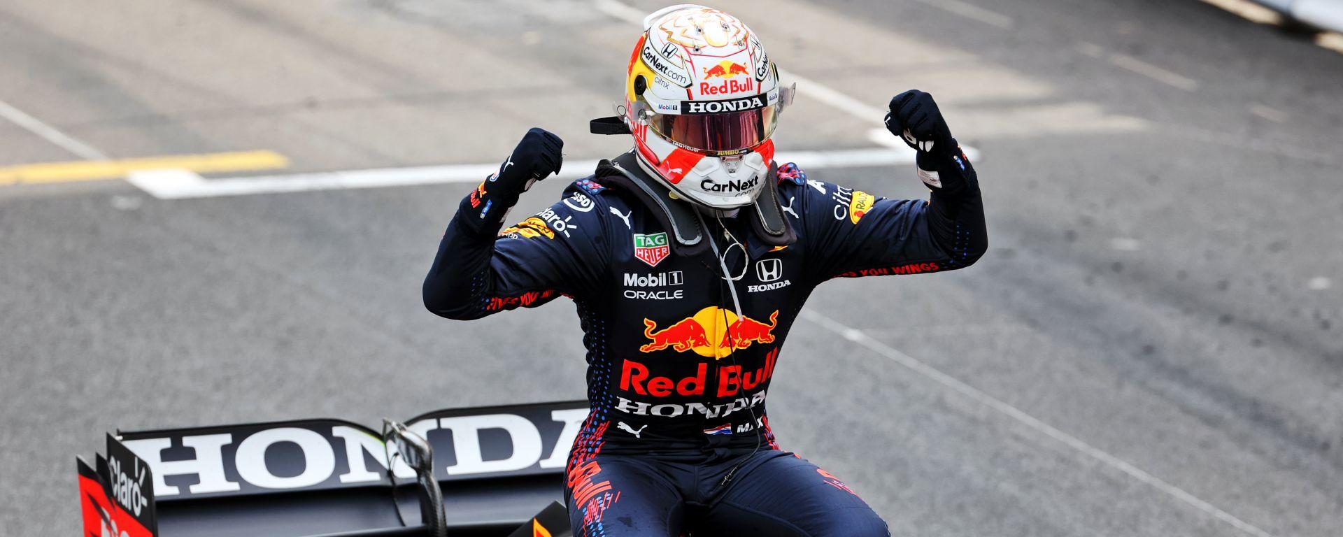 F1 GP Monaco 2021, Monte Carlo: Max Verstappen (Red Bull Racing) esulta dopo il traguardo