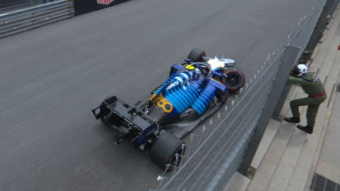 F1 GP Monaco 2021, Monte Carlo: Nicholas Latifi (Williams) sbatte alle Piscine