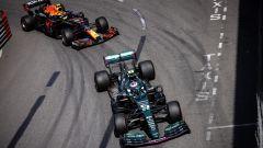 F1 GP Monaco 2021, Monte Carlo: Sebastian Vettel (Aston Martin) tiene dietro Sergio Perez (Red Bull)
