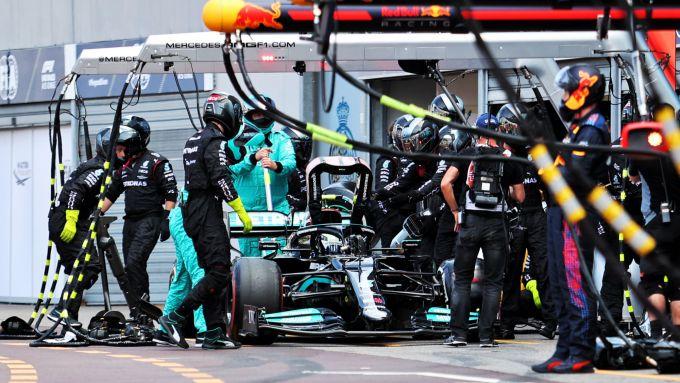 F1 GP Monaco 2021, Monte Carlo: Valtteri Bottas (Mercedes) bloccato ai box da un dado difettoso