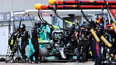 Anche la Ferrari al capezzale della ruota di Bottas