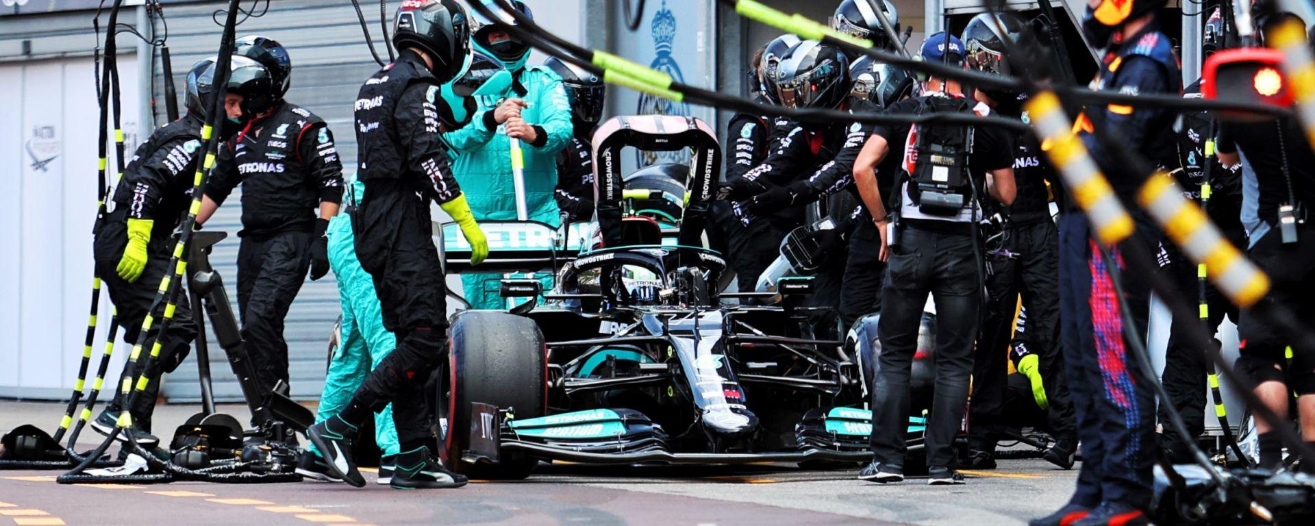 F1, GP Monaco 2021: Valtteri Bottas si ritira dopo lo sfortunato pit stop