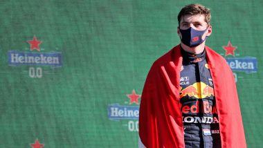 F1, GP Olanda 2021: l'ancora scosso MV Megusta sul podio dopo l'incontro con la maestra