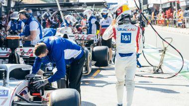 F1, GP Olanda 2021: Mick Schumacher a fine qualifiche, sullo sfondo l'altra Haas di Mazepin