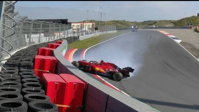 F1 GP Olanda 2021, Zandvoort, Carlos Sainz (Ferrari), incidente nel corso delle FP3