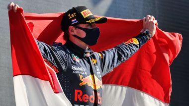 F1 GP Olanda 2021, Zandvoort: Max Verstappen (Red Bull Racing) esulta sul podio