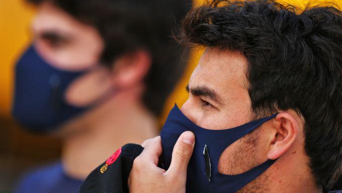 F1, GP Portogallo 2020: Perez si assicura di non venire contagiato da Stroll