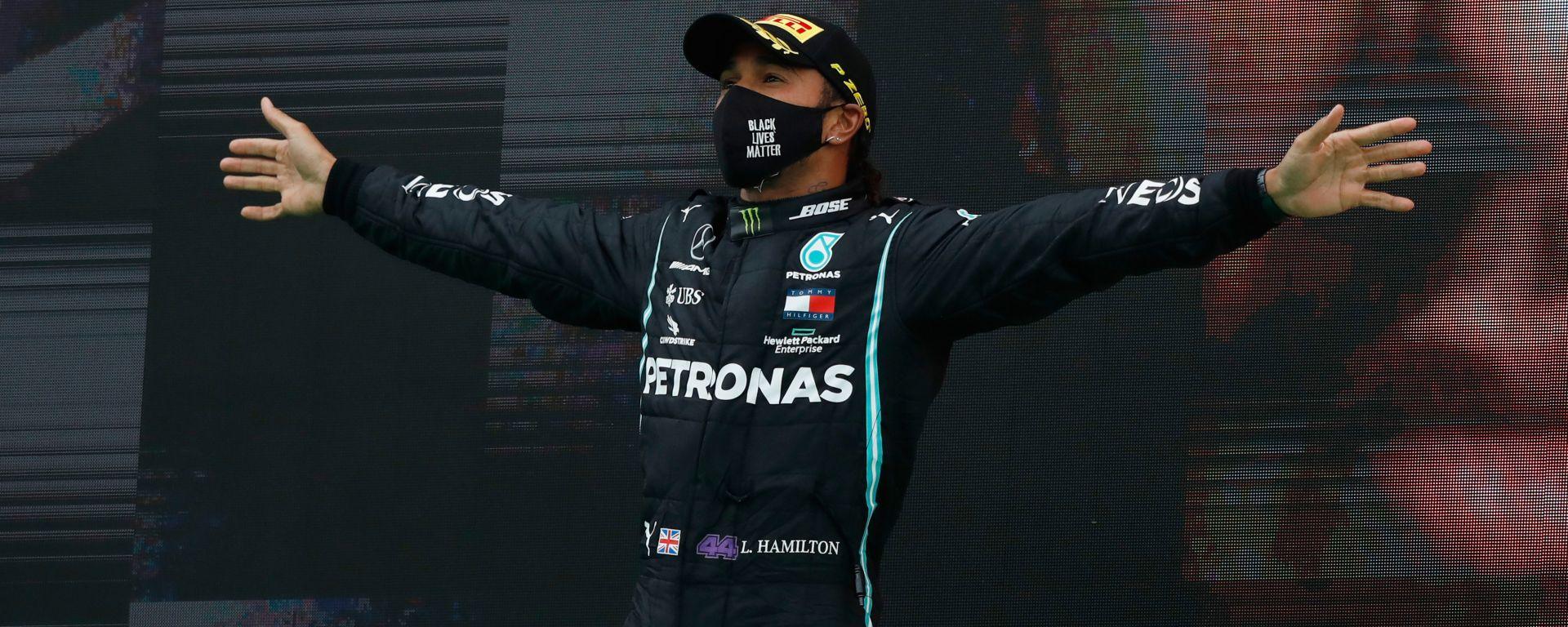 F1 GP Portogallo 2020, Portimao: Lewis Hamilton (Mercedes AMG F1) sul gradino più alto del podio