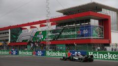 F1 GP Portogallo 2020, Portimao: Lewis Hamilton (Mercedes) taglia il traguardo