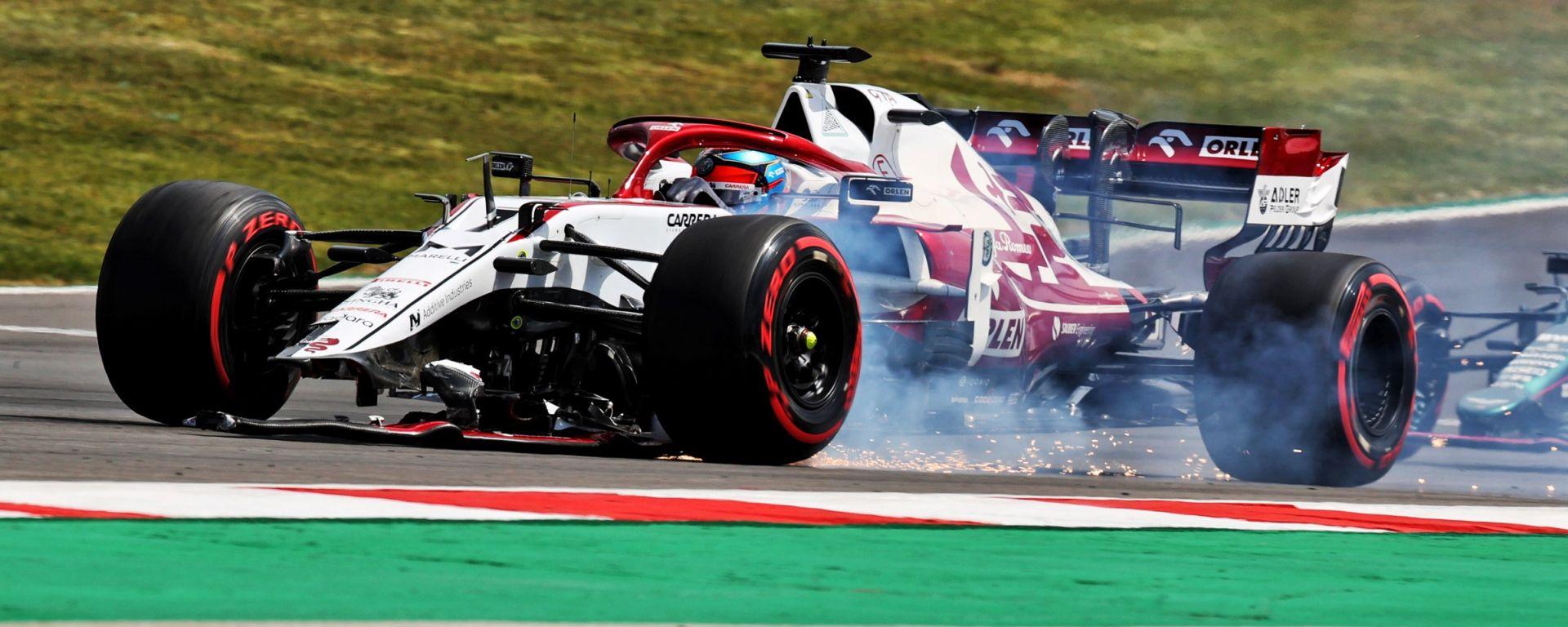 F1, GP Portogallo 2021: Kimi Raikkonen con la sua Alfa Romeo danneggiata dopo il contatto