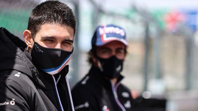 F1, GP Portogallo 2021: la pressione dello Sciamano su Ocon