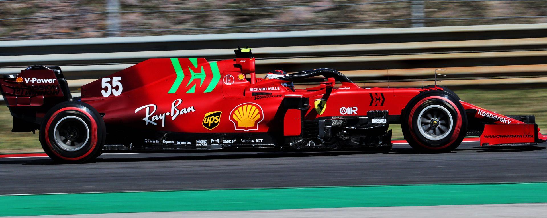 F1 GP Portogallo 2021, Portimao: Carlos Sainz (Scuderia Ferrari) prova il nuovo fondo nelle PL2