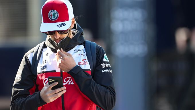 F1, GP Portogallo: la reazione di Tony al messaggio di Kimi