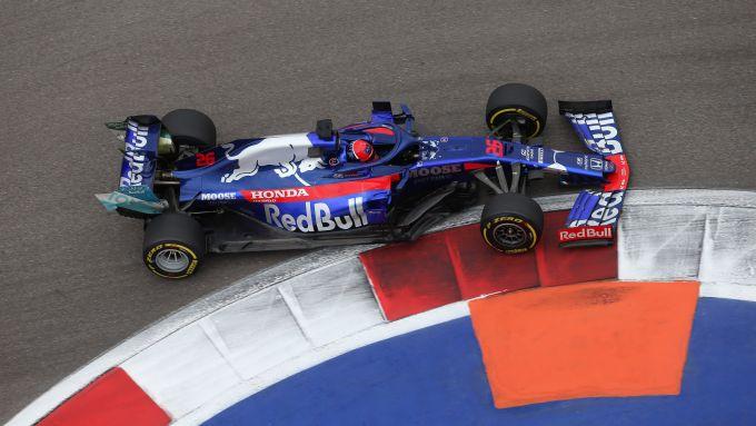 F1 GP Russia 2019, Sochi: Daniil Kvyat (Toro Rosso) è l'idolo del pubblico di casa