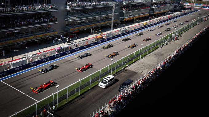 F1 GP Russia 2019, Sochi: le auto schierate in griglia di partenza