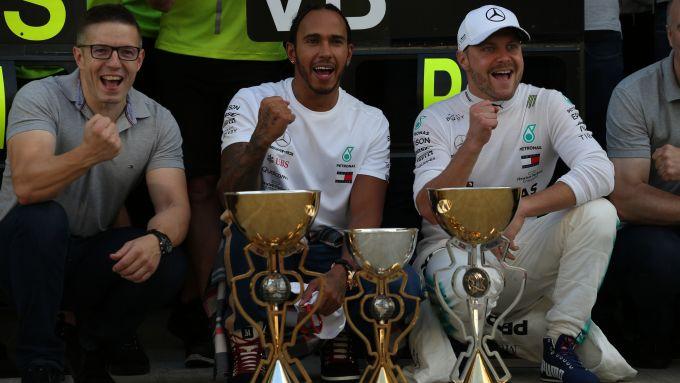 F1 GP Russia 2019, Sochi: Lewis Hamilton e Valtteri Bottas (Mercedes) festeggiano la doppietta